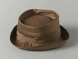 Hat in quilted brown / beige satin with brown grosgrain ribbon