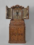 Collector's cabinet with miniature apothecary