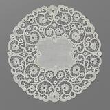 Round rug of octagonal batiste with a wide rim of bobbin lace with hearts formed by curling tendrils