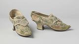 Shoe with linen, tongue and flaps, in petit point embroidered with floral motif of multicoloured silk