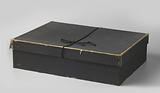 Box with black cardboard lid, rectangular, for ermine cape