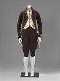 Suit piped with silk: coat, waistcoat and breeches.