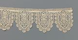 Strip bobbin lace with palmettes and eleven-lobed scallops