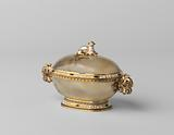 Cover dish of translucent agate, oval, mounted with enamelled gold and baroque pearl