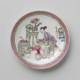 Saucer with a Chinese lady, boy and rabbit