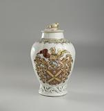 Ovoid tea caddy with the arms of the De Neufville family