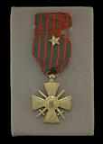 French Croix de Guerre medal issued to Cpl. Lawrence Leslie McVey.