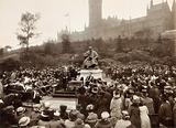 Unveiling of the statue of William Thomson, Lord Kelvin, attended by a large crowd, Glasgow, 8th October 1913